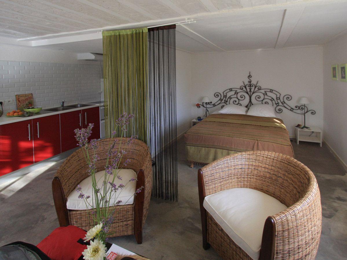tarifs gite gard g tes de charme la treille muscate. Black Bedroom Furniture Sets. Home Design Ideas